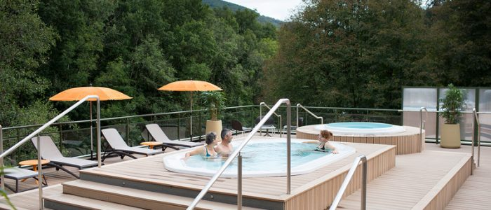 Cure thermale Châteauneuf-les-Bains - Bassin extérieur