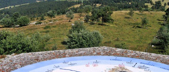 Chaudes-aigues_Panorama-Puy-de-la-Tuile-Cr®dit-OTCA-1600x530